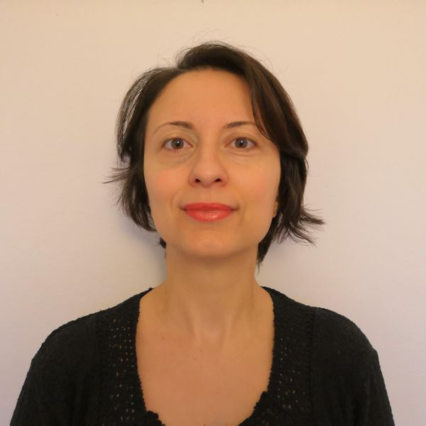 Expat Iulia Negru